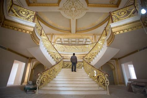 Home Interior Gold Leaves :  Kurdish Tycoon Builds Replica White House In Iraq