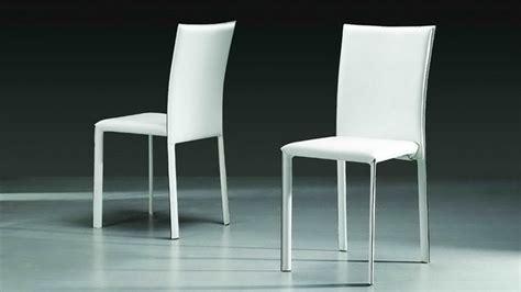 chaise blanche simili cuir elis chaise design simili cuir blanche 05 mobilier cuir