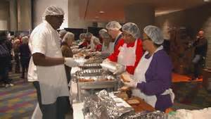 hosea feed the hungry serves up thanksgiving meals to the needy cbs46 news