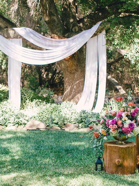 19 Décor Ideas for a Gorgeous Rustic Ceremony Backyard