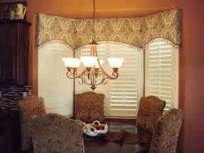 arched cornice great  bay windows modified