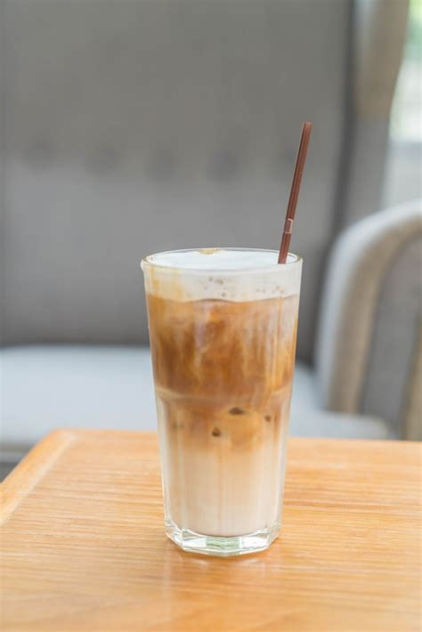 Ingredients for perfect iced coffee: Iced coffee cup | Free Photo