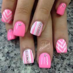 White and pink nail art images