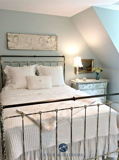 benjamin moore woodlawn blue  blue paint colour