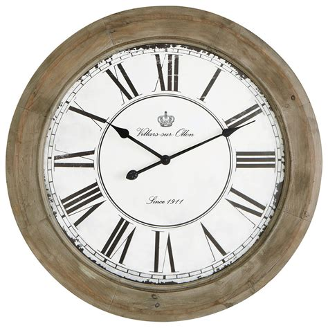 horloge en bois blanchi   cm chalet maisons du monde