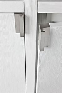 Poignée Porte Placard : interior design detail placard ouverture porte poign e bois aluminium details ~ Teatrodelosmanantiales.com Idées de Décoration