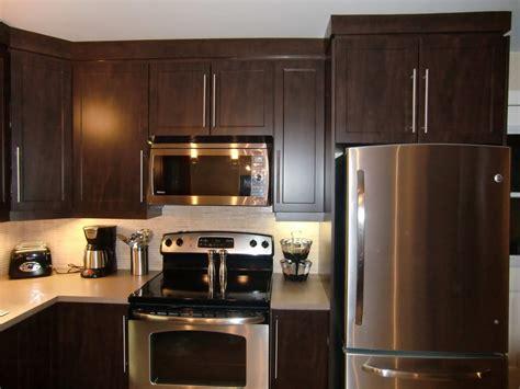 cuisine armoire brune specialitésmm armoire de cuisine en thermoplastique