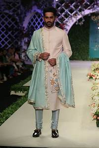 Varun Bahl At India Couture Week 2016 Look 3 Varun