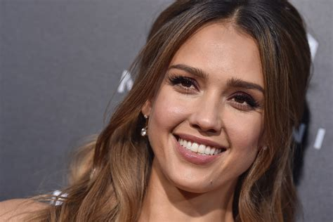 jessica alba hot   sexy images gallery news