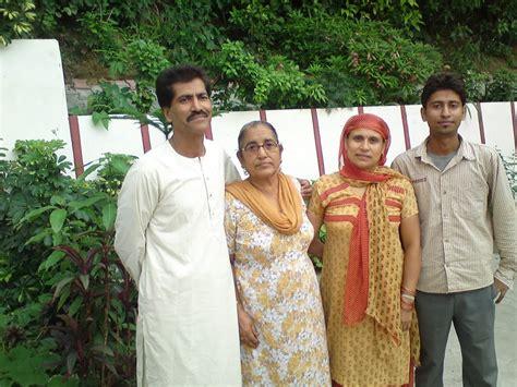 Photo Of Vijay And His Family Members