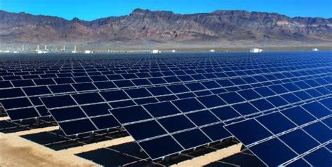 average utility scale solar price   falls  kwh
