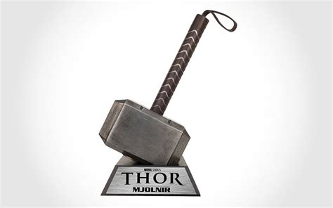 central do herói thor e seu mjolnir