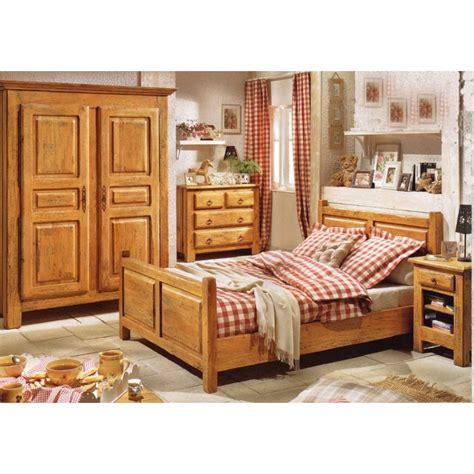 chambre coucher en bois massif chambre a coucher en bois mzaol com