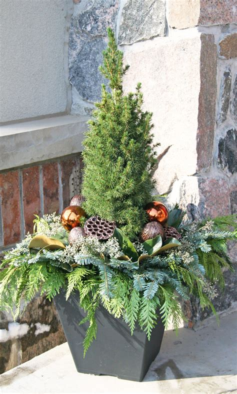 Outdoor Flower Decorations by Outdoor Planter Outdoor Planters