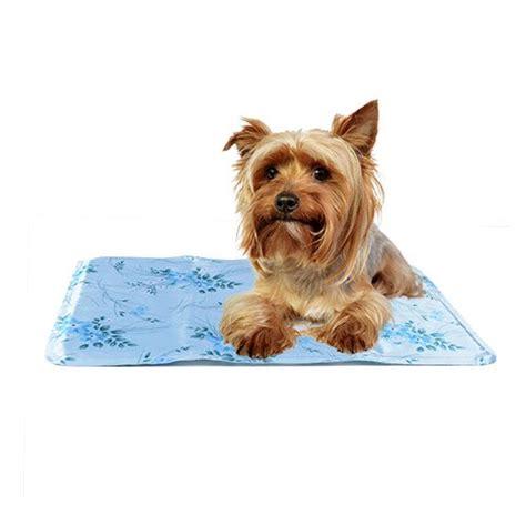 tapis rafrachissant pour chien tapis rafraichissant animo fresh tapis rafraichissant pour chien et chat wanimo