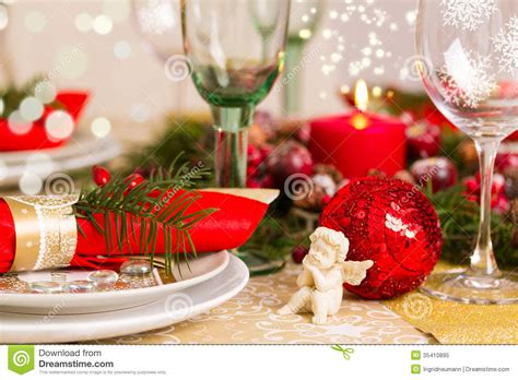 christmas table setting  holiday decorations royalty