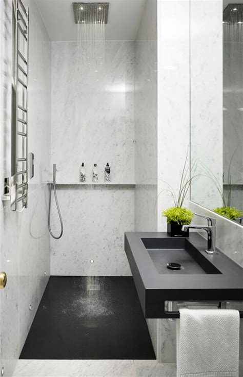 fotos de banheiros pequenos decorados  porcelanato