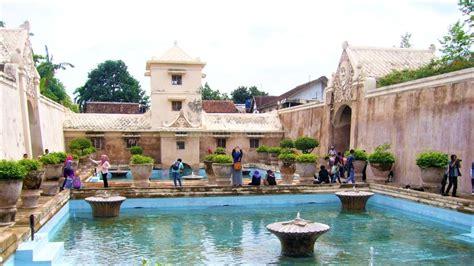 pesona istana air taman sari kolam pemandian kraton
