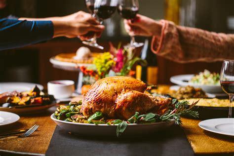 cuisine dinner 20 chicago restaurants open on thanksgiving for dinner or