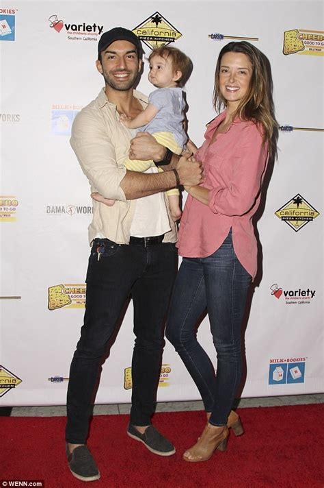 emily baldoni bikini justin baldoni and his wife emily expecting second child