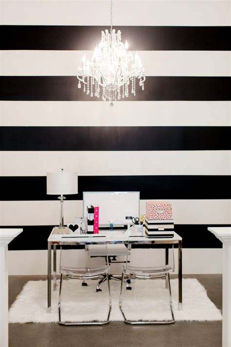 Decor In Black And White by The Black And White Striped Wall Decorating I