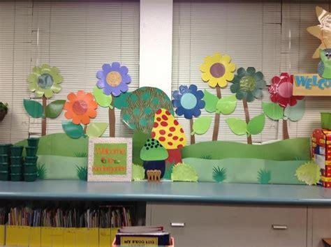 Garden Decoration Themes by Big Flowers Garden Theme Classroom Decor Kindergarten