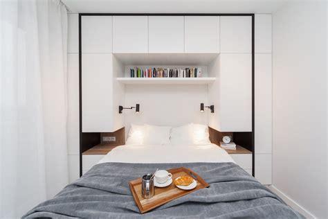 moderne schlafzimmer le deze kleine moderne slaapkamer is voorzien een strakke multifunctionele wandkast
