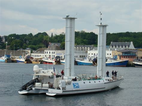 bureau occasion portrait de bateau l alcyone de cousteau escales