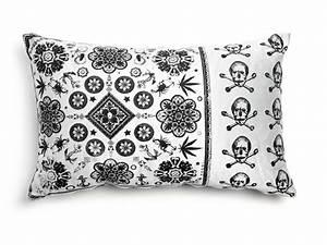 Coussin Design Pour Canape : coussin rectangulaire en tissu pour canap heritage 3 by moooi design marcel wanders ~ Teatrodelosmanantiales.com Idées de Décoration