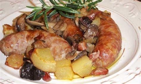 Salçiçe me patate dhe kërpudha | Food, Carne, Sausage