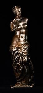 3D Printable Venus de Milo at The Louvre, Paris by Louvre ...