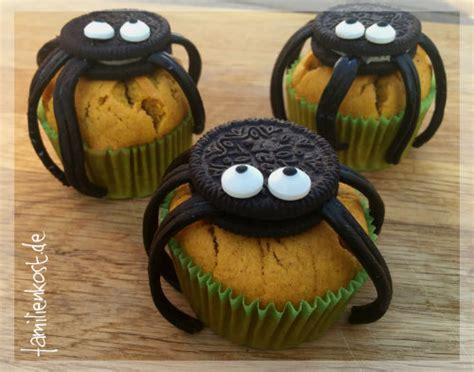 Halloween Muffins Rezept für KürbisSpinnenMuffins