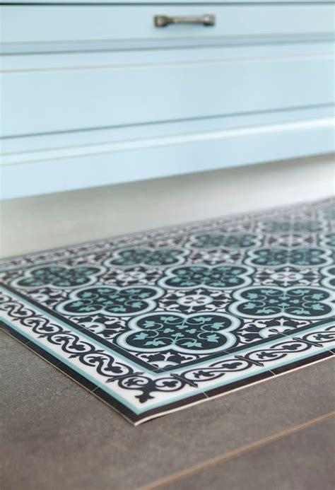 vinyl kitchen floor mats vinyl kitchen rugs graphic black and white kitchen mat 6898