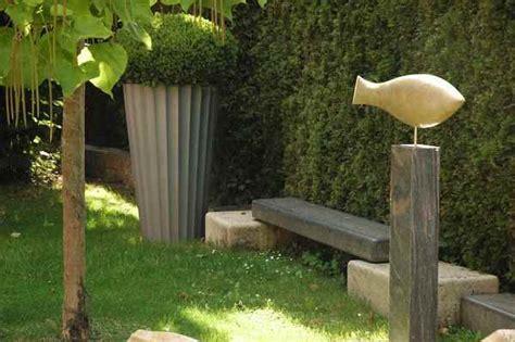 Skulpturen Aus Holz Für Den Garten by Skulpturen Aus Stein Fur Den Garten Realitny Club