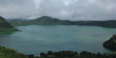 yuk jelajahi tiga danau vulkanik  flores kompascom