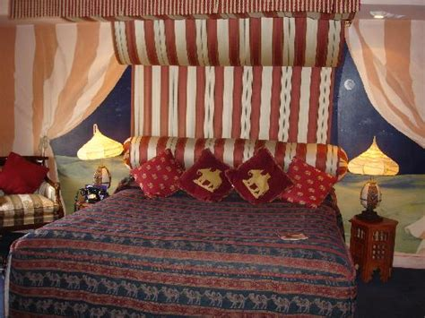 decor arabian themed bedroom interior designing ideas