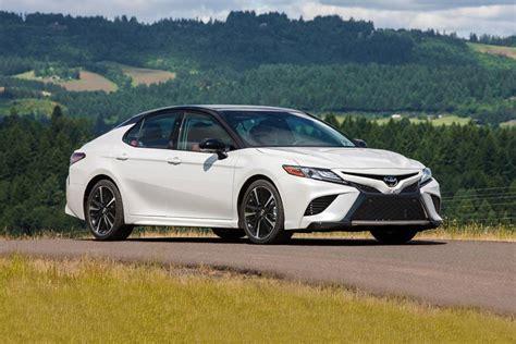 toyota corolla sedan review trims specs  price
