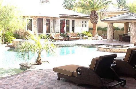 mayweather house floyd mayweather puts 3 35 million las vegas mansion on