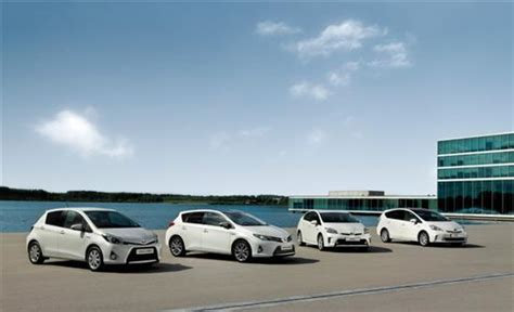 toyota a vendu plus de 1 5 millions toyota a vendu 1 2 million de voitures hybrides en 2012