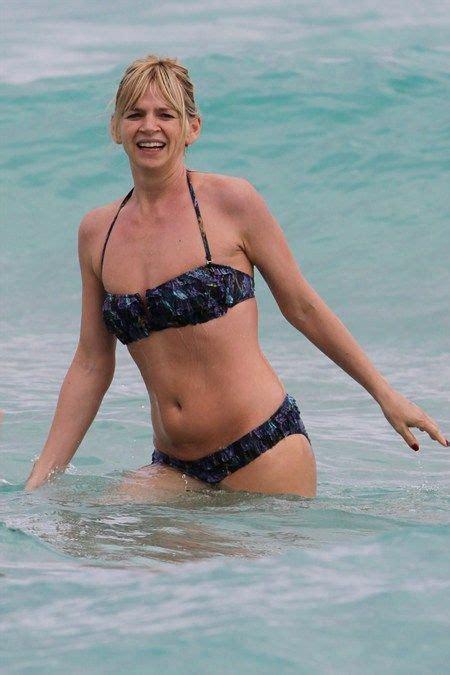 zoe ball shows   sexy bikini body  holiday  miami