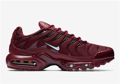 "Nike Air Max Plus ""Team Red"" Coming Soon 852630602"