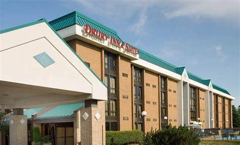 Drury Inn & Suites St. Louis Westport