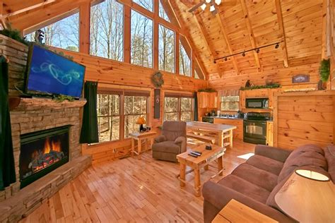 gatlinburg honeymoon cabins smoky mountains honeymoon cabin affordable pigeon forge