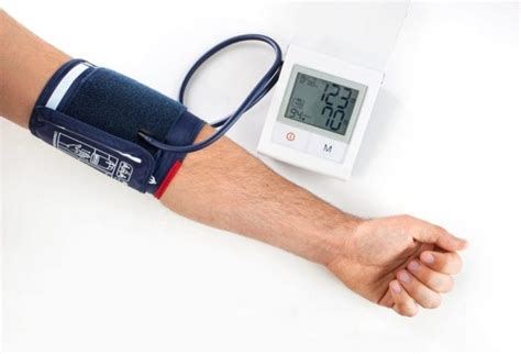 Using an Ambulatory Blood Pressure Monitor - familydoctor.org