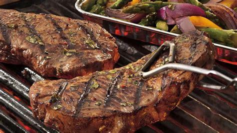 how to season a steak how to season a steak bettycrocker com