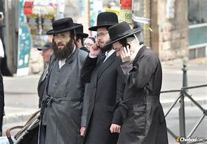 17 Facts Everyone Should Know About Hasidic Jews - Essentials