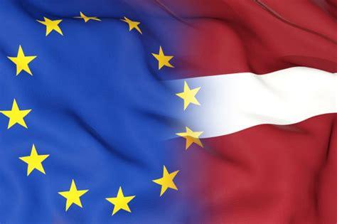Latvija pēc desmitgades Eiropas Savienībā - toreiz un ...