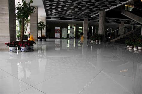 China White Engineering Stone For Flooring Photos