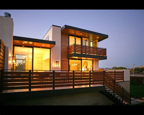 Marvelous Contemporary House Exterior With Modern Balcony