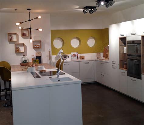 cuisine showroom aménagement cuisine et salle de bain avec mobalpa